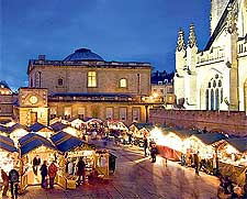 Photo of the Christmas market next to the Bath Abbey