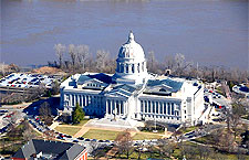 Photo of the waterfront Missouri State Capitol Building