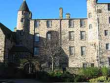 Further photo of Provost Skene's House
