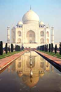 Iconic view of the Taj Mahal