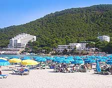 Picture of beachfront hotels at Skikida