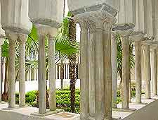 Image of the Cloister of Paradise (Chiostro del Paradiso)