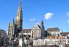 Picture of the Groenplaats and cathedral