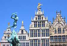 Close-up picture of guildhouses on the Grote Markt