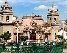 Photo of Plaza de Armas showing the Cathedral