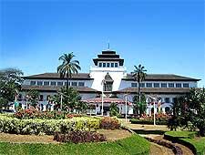 Image showing the Gedung Sate building taken by Gunkarta Gunawan Kartapranata