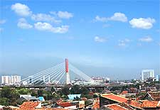 Skyline view of the Pasupati Bridge, taken by Prayudi Setiadharma