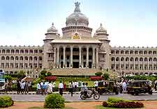 Bangalore Airport (BLR) Travel and Transport: Picture showing the Vidhana Soudha