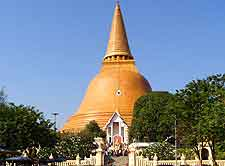 Nakhon Pathom picture showing the Phra Pathom Chedi