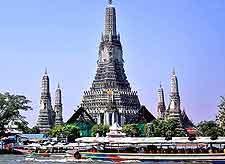 Photo showing Wat Arun (Temple of Dawn)