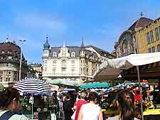 Photo of market traders on the Marktplatz