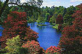 Photo of the lake at the Stourhead estate, Stourton, Wiltshire, England