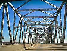 Photo of Baton Rouge Bridge