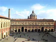 View of the famous Piazza Maggiore, photo by Giovanni Dall'Orto