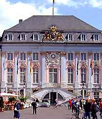 Picture of the Altes Rathaus, home of the City Museum (Stadtmuseum)