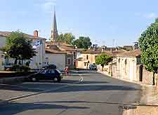Picture showing the town of Sauternes
