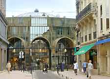 Bordeaux Airport (BOD) Car Parking: Photo of central shopping district