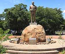 Photo of Khama statue at Gaborone