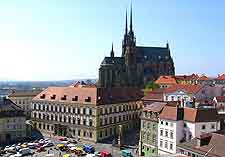 Picture of cafes overlooked by the Brno cathedral