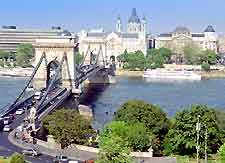 Budapest Airport (BUD) Car Rental: Photo of cars driving across the Chain Bridge