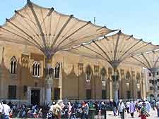 Photo of the Khan Al-Khalili market