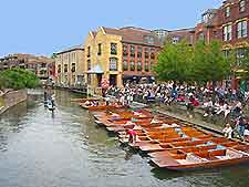 Photo of punting in the university city of Cambridge