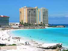 Cancun Airport (CUN) Hotels: Photo showing beachfront hotel complex
