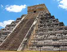 Photo of the world-famous Chichen Itza / El Castillo Pyramid