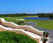 Picture of golfing resort in the vicinity of the city