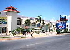Cancun Airport (CUN) Directions: Photo of Hotel Zone and street