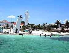 Photo of the famous Puerto Morelos coastline