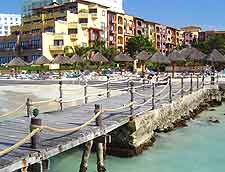 Photo of Cancun's pier and waterfront