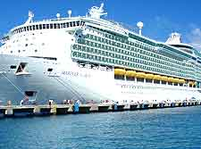 Photo showing the 'Mariner of the Seas' cruise liner in Cozumel, Quintana Roo, Mexico