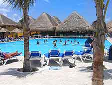 Cozumel Airport (CZM) Hotels: Image of resort complex