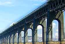 Further photo of the Tay Bridge (Tay Rail Bridge)
