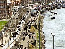 Image showing the River Rhine Promenade (Rheinuferpromenade), picture taken by Johann H. Addicks