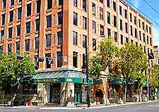 Edmonton Restaurants And Dining Edmonton Alberta Ab Canada