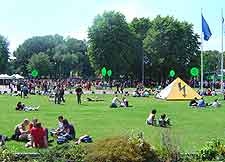 Picture of picnickers in the City Park
