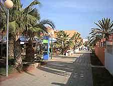 Image of Fuerteventura's resort Caleta de Fuste shopping area