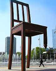 Photo of the famous Broken Chair sculpture