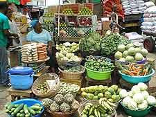 Image of market traders at Kumasi