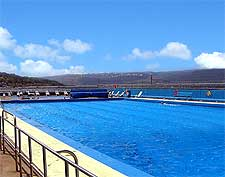 Photo of the outdoor pool at nearby Gourock