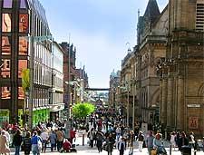 Photo of shoppers on Buchanan Street