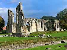 Photo of the famous Glastonbury Abbey remains