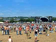 Image showing the crowds at the Glasto Pop Festival, Glastonbury, Somerset, England, UK