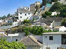 Image of the white-washed houses of Granada