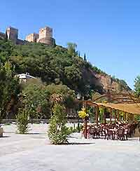 Picture of al fresco dining in Granada