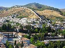 Granada's Murallas del Albayzin image