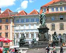 Further picture of the city's Hauptplatz