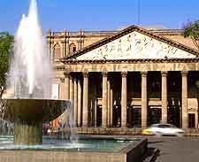 Image of the Teatro Degollado (Degollado Theatre)